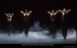 goecke-dogs-sleep-danse-ballet-opera-de-paris-garnier-crtiique-ballet-classiquenews