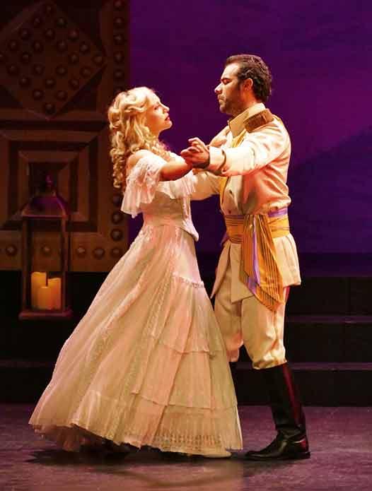 lehar-veuve-joyeuse-odeon-critique-opera-marseille-critique-opera-classiquenews-3