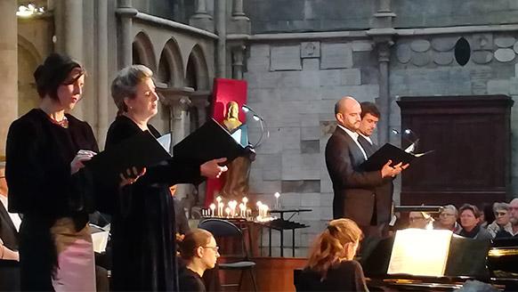 dvorak-stabat-mater-choeur-opera-de-dijon-critique-concert-critique-opera-musique-classique-news-classiquenews