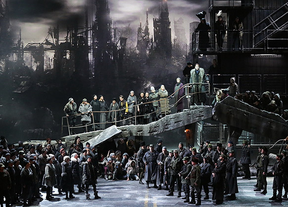 khovantchina-moussorgski-scala-gergiev-critique-opera-compte-rendu-opera-classiquenews-usine-zone-industrielle-classiquenews-compte-rendu-critique-opera