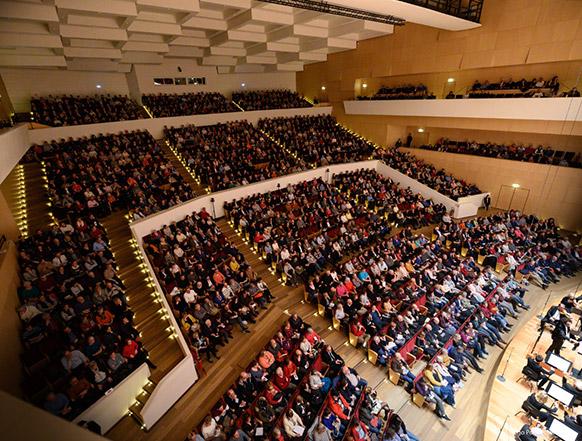 CLASSIQUENEWS-maestro-alexandre-Bloch-lille-nouveau-siecle-cycle-mahler-symphonies-2019-critique-concerts-critique-opera-musique-classiquenews
