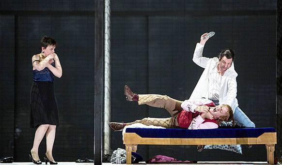 chosta-lady-macbeth-mensk-opera-bastille-critique-opera-concert-festival-musique-classique-classiquenews-le-meurtre