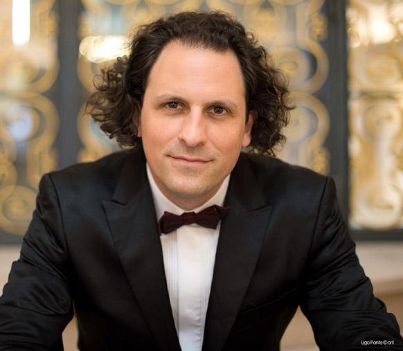 BLOCH-alexandre-portrait-2019-chef-orchestre-national-de-lille-annonce-concert-opera-classiquenews