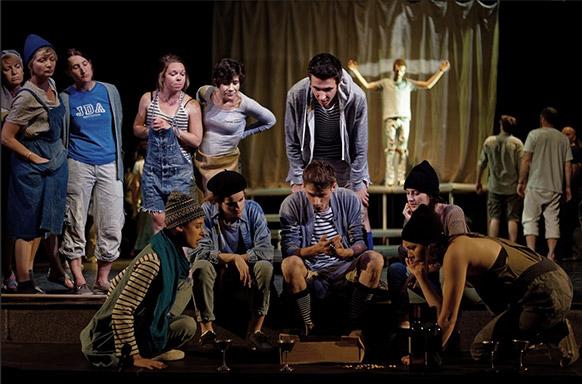 dario-fo-mistero-buffo-a-bout-de-souffle-critique-opera-classiquenews-theatre-jules-julien-juin-2019