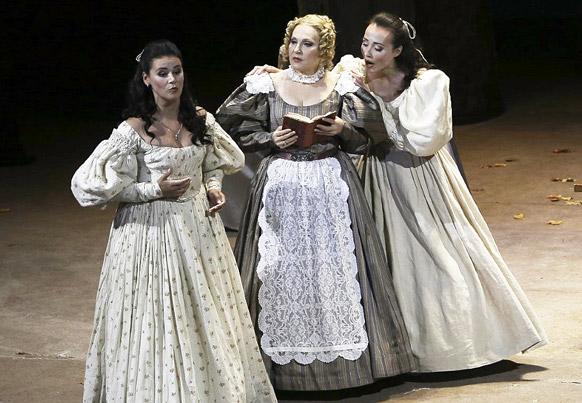 eugene-oneguine-tchaikovski-trio-tatiana-opera-de-toulon-opera-critique-par-classiquenews