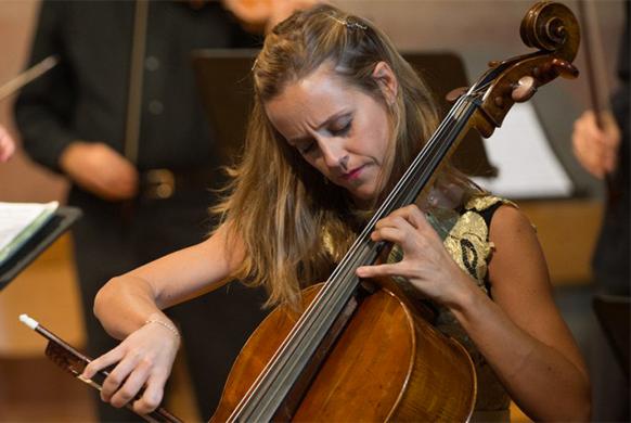 GABETTA-sol-violoncelle-magique-concert-annonce-critique-classiquenews-Sol-Gabetta_Take-Two