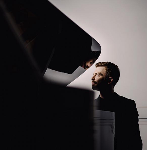 Les révolutions de DAVID KADOUCH : piano exaltant
