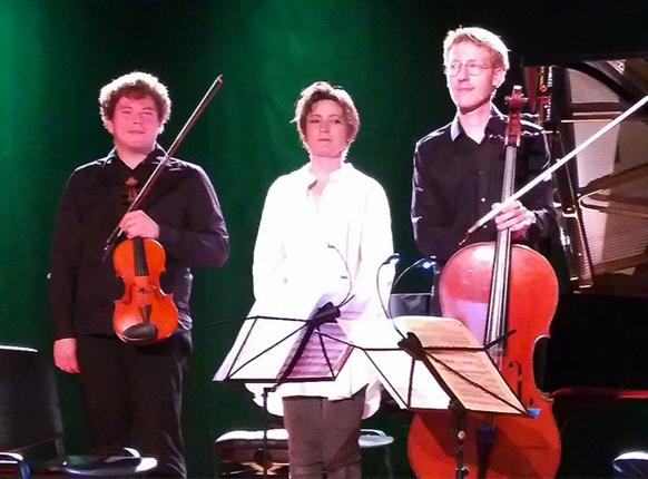 festival-LA-GRACE-7-sept-trio-critique-concert-classiquenews