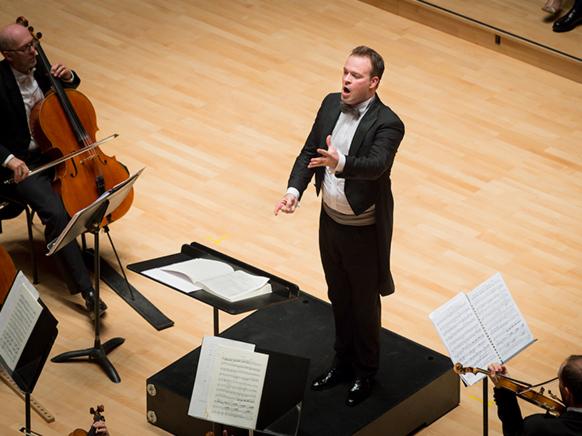 reiland-david-metz-orchestre-national-concert-portrait-c-cyrille-guir-classiquenews-sept-2019