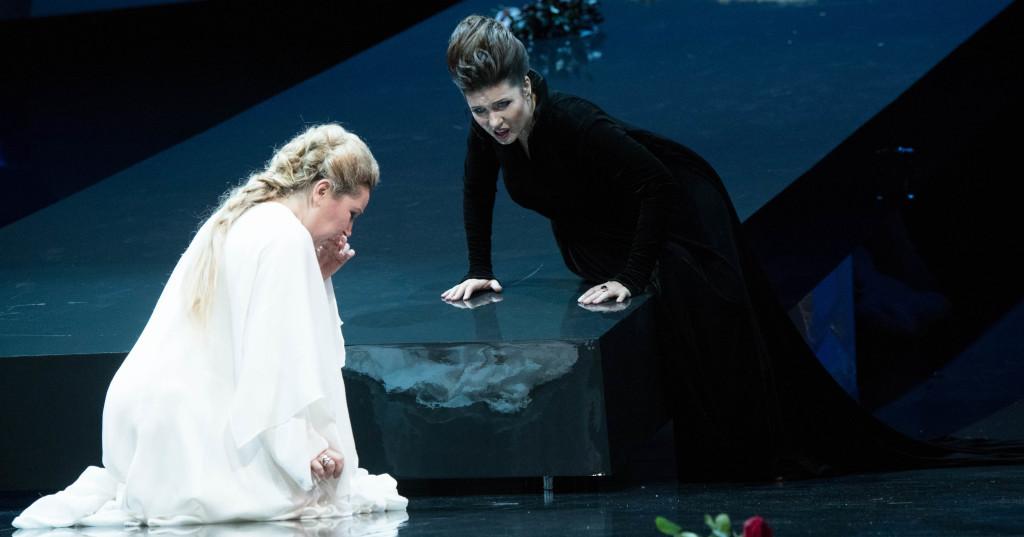 9 - Norma - Karine Deshayes (Adalgisa), Marina Rebeka (Norma) - crÇdit Cosimo Mirco Magliocca