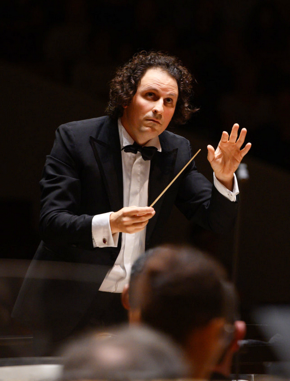 bloch-alexandre-maestro-mahler-gustav-symphonie-n6-concert-critique-classiquenews-lille-nouveau-siecle-concert