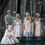 fantomes opera critique classiquenews versailles corigliano _KarliCadel-GGF19-GhostsVersailles-GenDress-1304