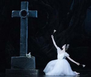 giselle-adam-opera-bastille-garnier-critique-danse-opera-classiquenews-ballet-classiquenews-critique-ballet-danse