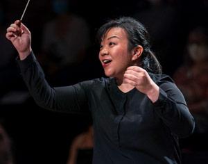 TONG-rebecca-cheffe-orchestre-maestra-annonce-concours-PARIS-2020-classiquenews