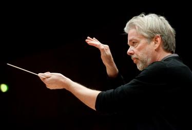 Jukka-Pekka-Saraste-concert-critique-review-monte-carlo-classiquenews