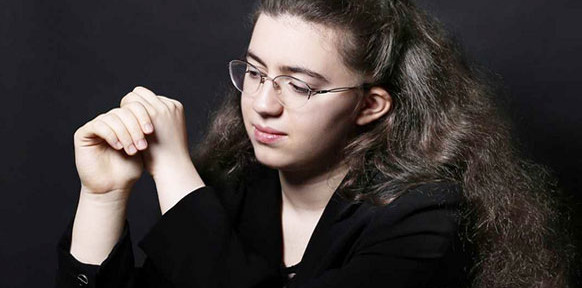 NGUCI-Marie-ange-piano-concert-critique-classiquenews-orchestre-national-de-lille-streaming-live