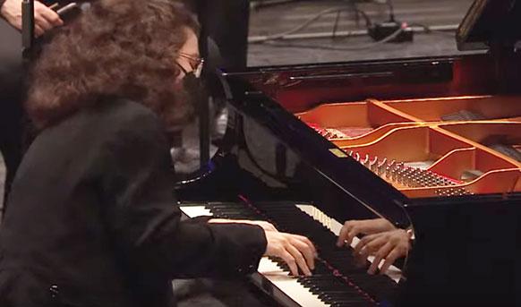 nguci-marie-ange-piano-mozart-concerto-poiano-20-orchestre-national-de-lille-david-Reiland-critique-concert-live-streaming-critique-classiquenews