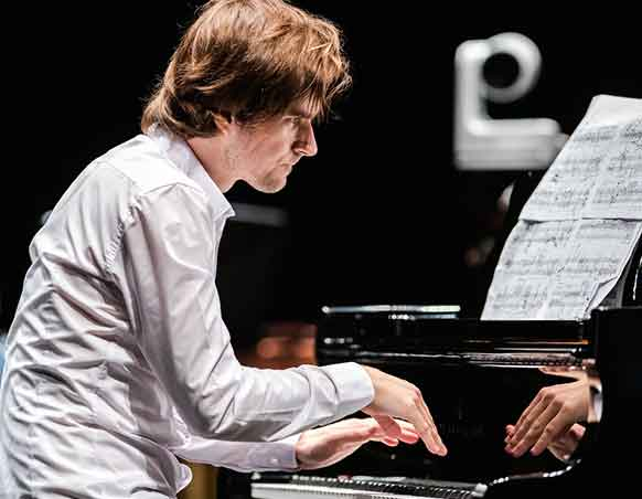 dlitri-kalashnikov-piano-festival-lille-pianos-piano-2021-annonce-critique-classiquenews
