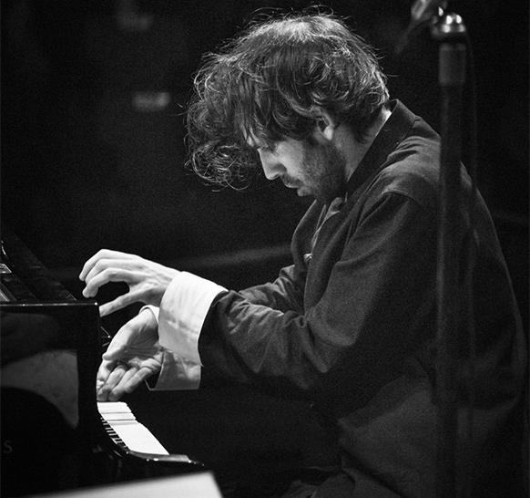 Alexandre-kantorow-piano-concert-la-roque-antheron-critique-concert-classiquenews-2021-aout