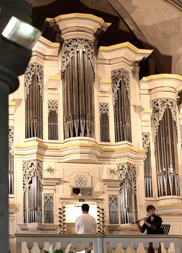 BACH-COMBRAILLES-festival-2021-concert-critique-annonce-classiquenews-l-orgue-somptueux