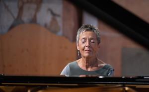 MARIA-JOAO-PIRES-piano-concert-critique-GSTAAD-MENUHIN-FESTIVAL-Schubert-debussy-beethoven-critique-piano-classiquenews
