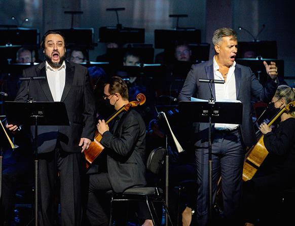 george-petrean-erwin-schrott-riccardo-giorgio-opera-i-puritani-bellini-gstaad-2021-critique-review-opera-classiquenews