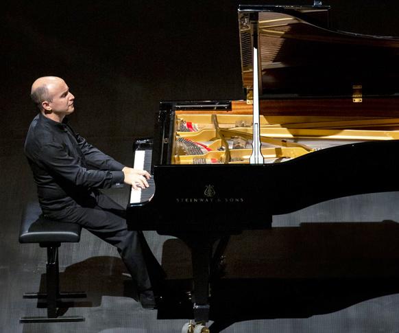 nelson-goerner-piano-roque-antheron-aout-2021-critique-concert-classiquenews