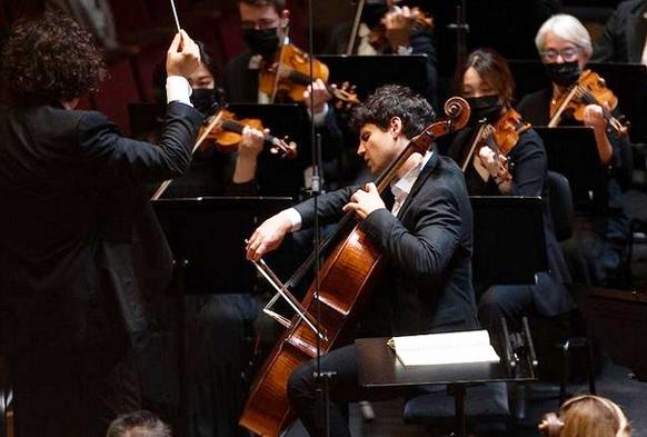 saint-saens-julien-victor-laferriere-alexandre-bloch-orchestre-national-de-lille-critique-concert-classiquenews-23-sept-2021