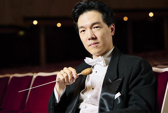 KUOK-MAN-LIO-chef-dorchestre-maestro-direction-classiquenews-critique-concert